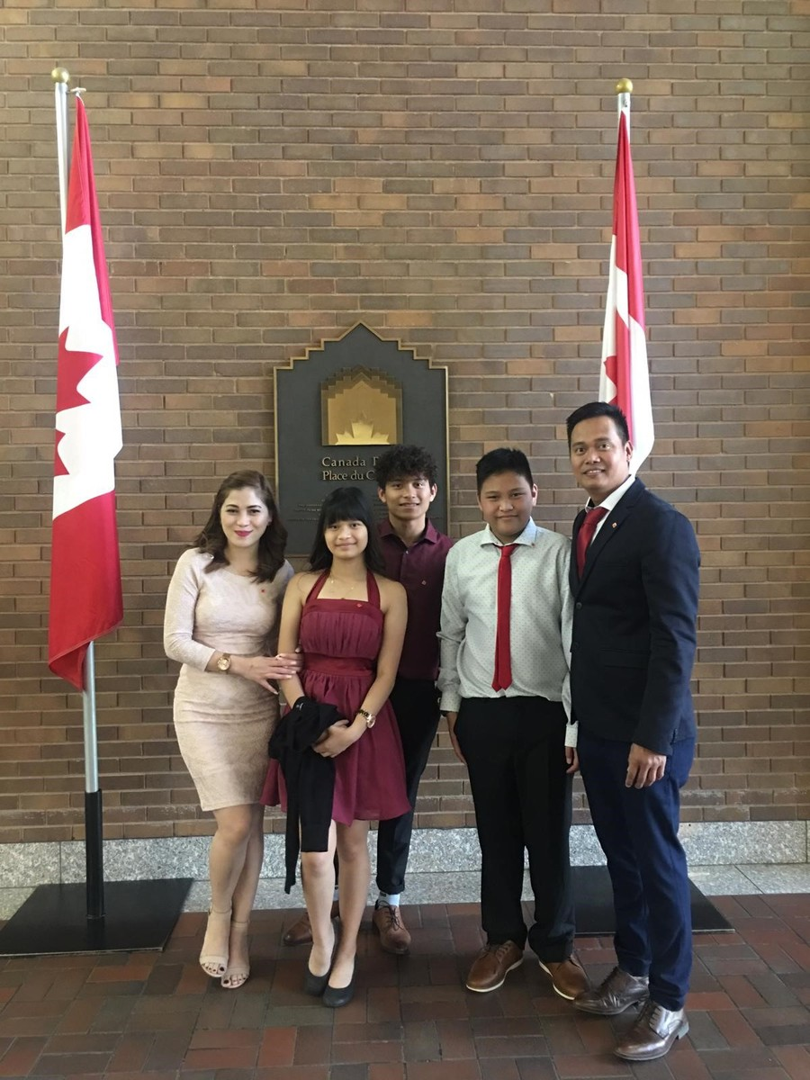 Sonny Tamondong and Family Become Canadian!